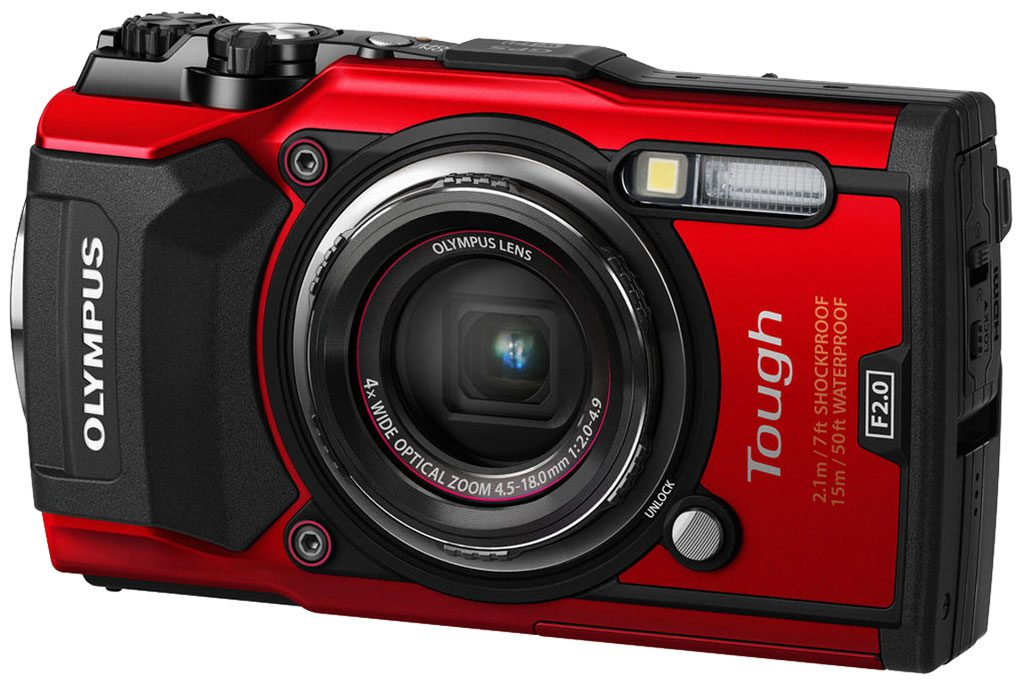 OLYMPUS-TG-5-BEAUTY-RED